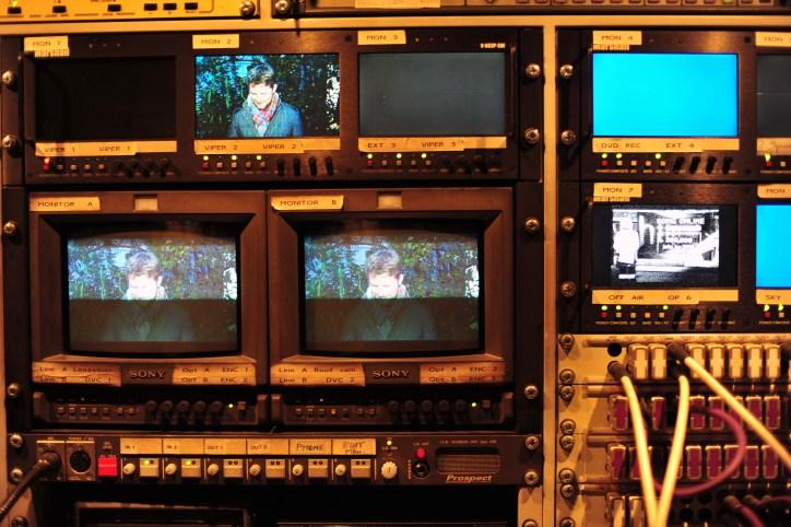 Control screens