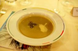 Soupe d'artichaut à la truffe noire, brioche feuilletée aux champignons et truffes1 Comment
