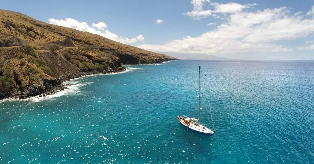 sailing around Maui