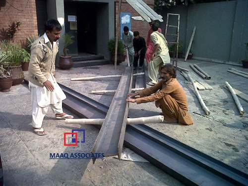 small resolution of preparing of steel guarder to be installed in wall where the slab is supported through mechanical jack system