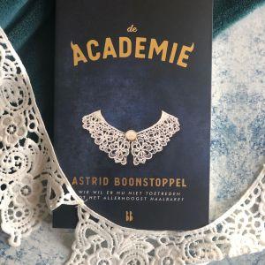 Recensie De academie – Astrid Boonstoppel