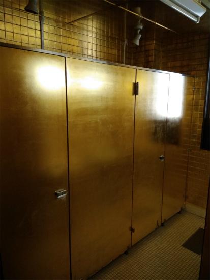 金箔トイレ
