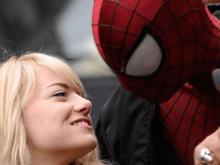 http://www.dailymail.co.uk/tvshowbiz/article-2326886/Emma-Stone-Andrew-Garfield-lock-lips-film-The-Amazing-Spider-Man-2.html