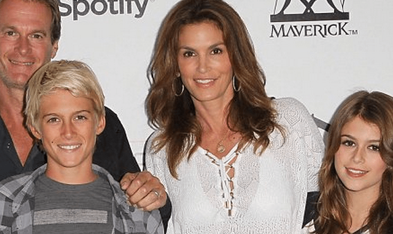 http://www.dailymail.co.uk/tvshowbiz/article-2403250/Im-American-mutt-Cindy-Crawford-shares-pictures-private-family-album-traces-roots-Who-Do-You-Think-You-Are.html