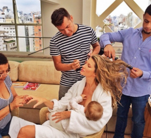http://www.dailymail.co.uk/tvshowbiz/article-2521456/The-ultimate-smug-mom-Gisele-champions-breast-best-message-getting-nails-hair-styled-make-applied--feeding-baby-daughter-public.html