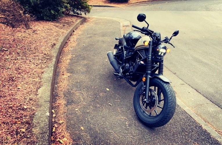 バイクのエンジン始動音は元気が出ます