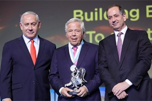 """בארה""""ב דוחים את התרומות של קראפט – בישראל מעניקים לו את פרס בראשית מאת תומר מיכלזון"""