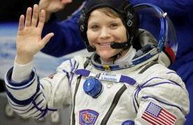 """בנאס""""א חוקרים חשד לפשע ראשון בחלל"""