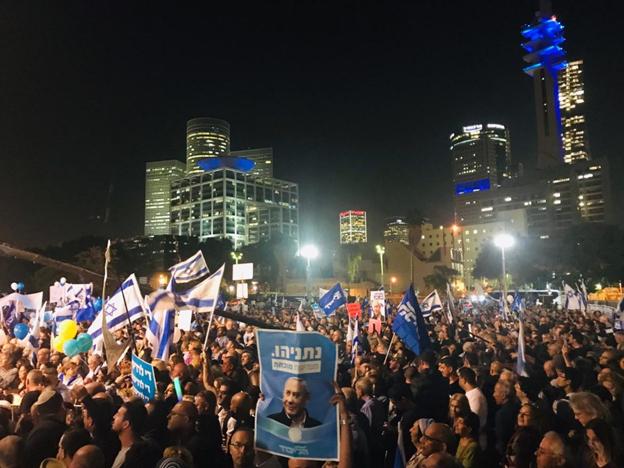 מחאתהימין בתל-אביב: האם זו רק המערכה הראשונה מאת אריאל שנבל?
