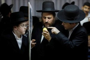 Former Hasidic couple sues Quebec for 'failed education'