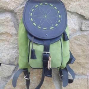mochilas de piel, mochilas, artesania, hecho a mano, piel, cuero, mochilas de cuero, amarilla, piel de serraje, verde