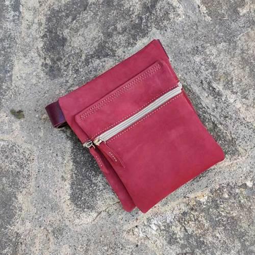 riñonera o bolso de cadera, rojo