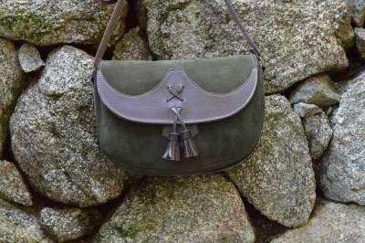bolso campero de cuero, bolso de piel, bolso artesano, artesania, hecho a mano, bolso de mujer, bolso de mujer de cuero, bolso de cuero y serraje, bolso de piel aterciopelada