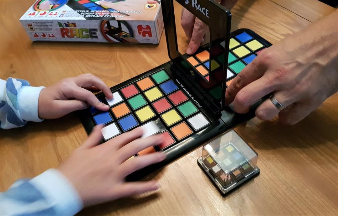 """Résultat de recherche d'images pour """"jeu rubik's cube race"""""""