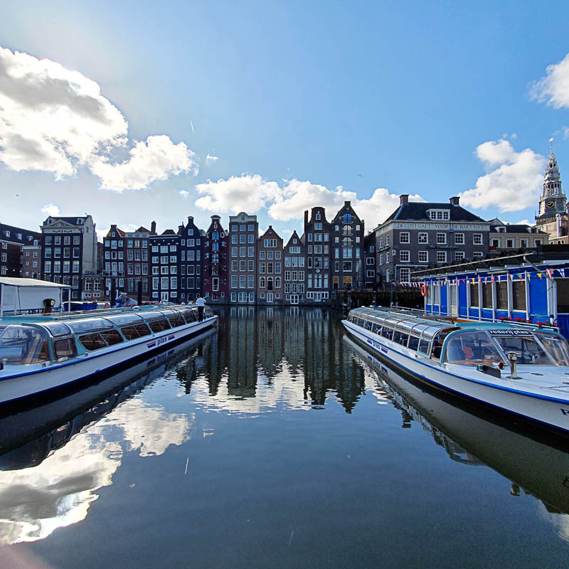 Le damrak à Amsterdam