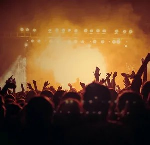 NEWS 味スタ 15周年 ライブ 損害額 今後の活動 コンサート 味の素スタジアム