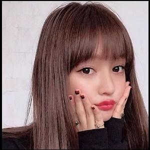 わたなべ麻衣 ぷぅ顔 インスタの女神 かわいい 美人 広島県 モデル タレント 女優