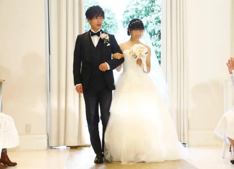 佐藤健と土屋太鳳の八年越しの花嫁の結婚式シーン