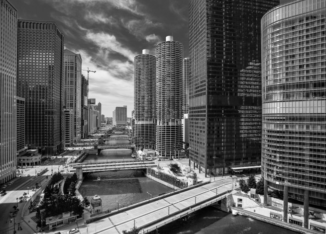 Marina-City-Chicago-River-II-M-Mabry-Campbell