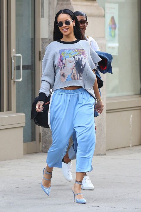 The pants we all loved to wear in the '90s—and the pants every prankster loved to rip open when you least expected it—Rihanna's snap-up trackpants are giving us all the nostalgia.