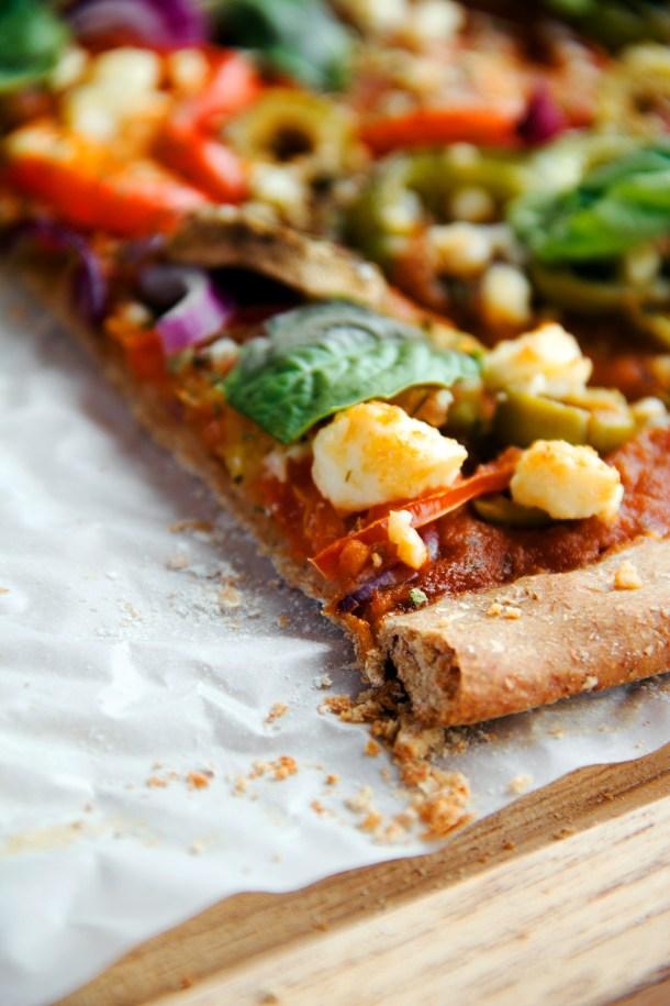 Pizza integral con vegetales