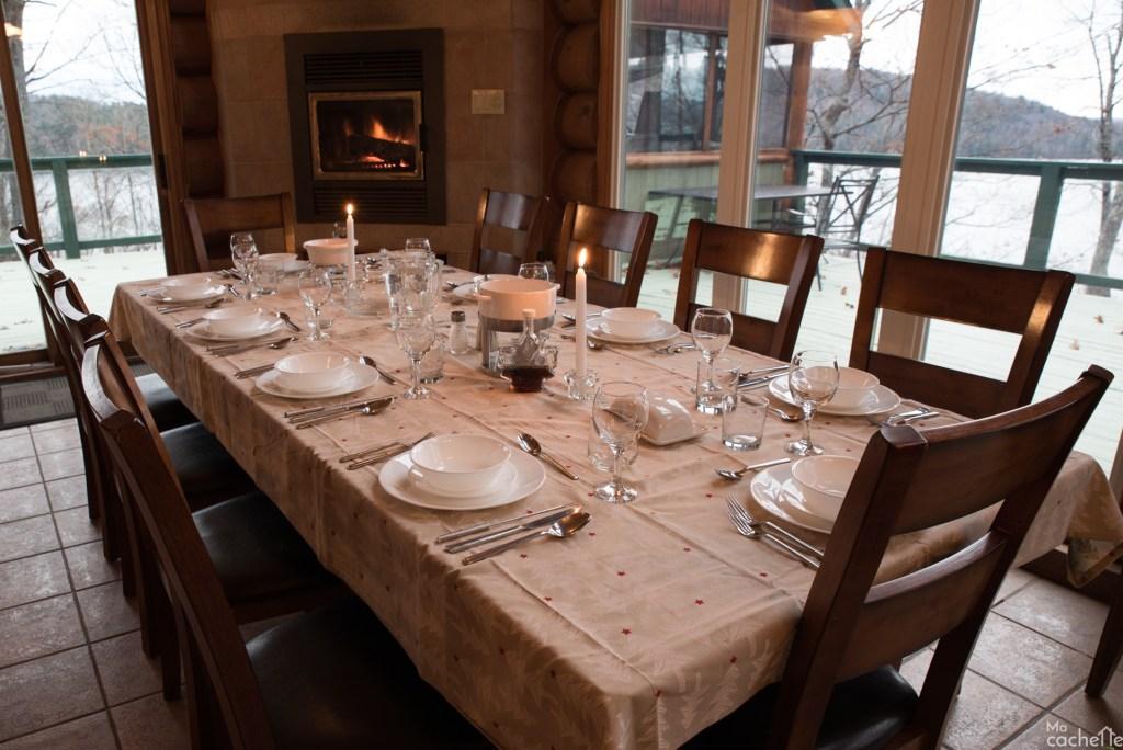 Domaine forêt d'eau - Chalet 16 personnes à louer au lac Simon en Outaouais - Salle à manger