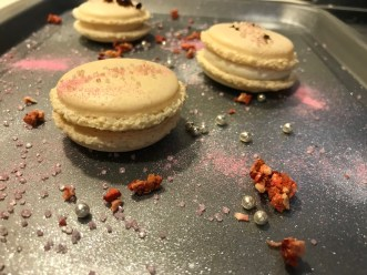 Have you been looking for some nice and easy macaron recipe? Then this recipe from Macarona D will suit you well! Check it out now!