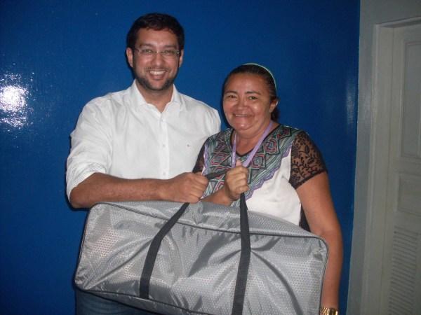 3.Secretário Rodrigo Aladim com Verônica Julião, diretora da Escola Municipal Lions Clube.