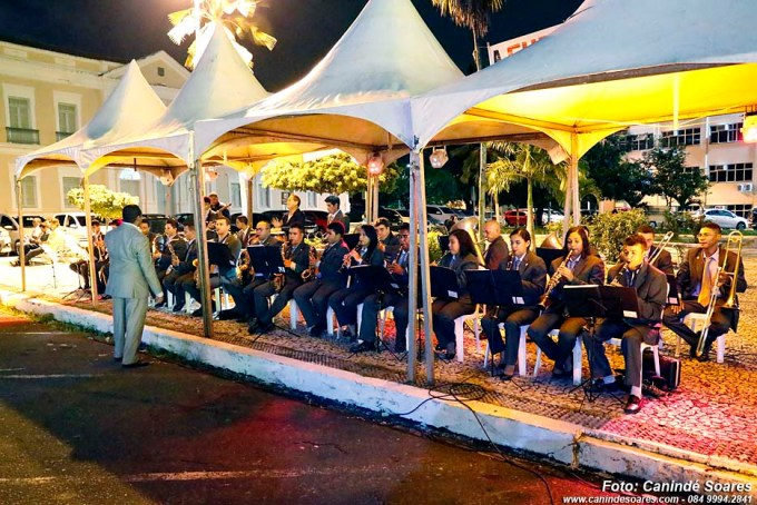 Apresentação da Filarmônica Monsenhor Honório de fronte a  assembleia legislativa