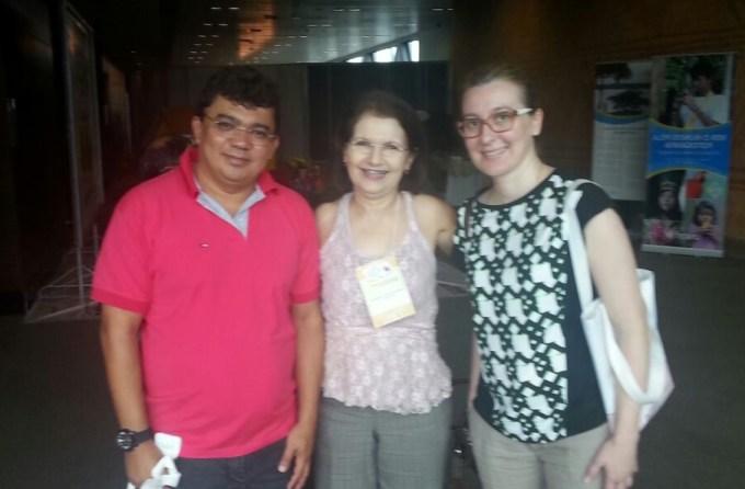Prefeito Kerginaldo Pinto, com Tati Andrade representante do Selo Unicef e Isabel Manini gerente de parcerias corporativas