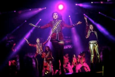 2NE1 Macao Tour_02 resized