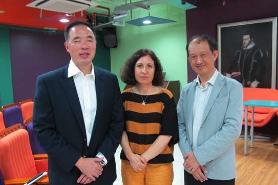 Wong Meng Ee (left)