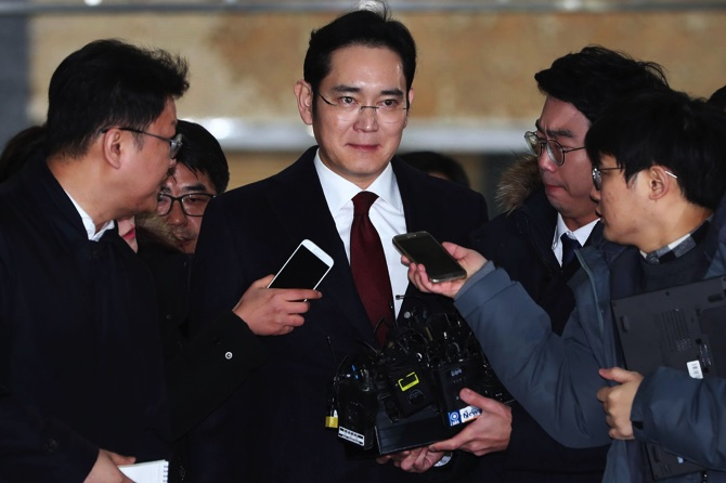 Samsung Heir Faces Arrest on Charges of Bribing South Korea's President