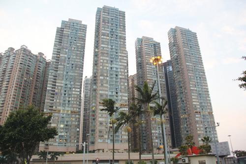 Property prices in Macau drop 13 percent in 2015