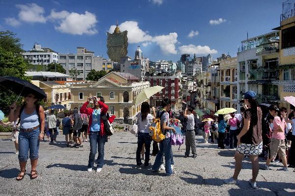 Visitors rise 6.6 pct to 8.7 million in Jan-April