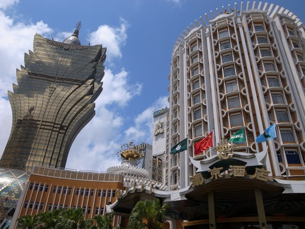Hotel guests drop 4 pct in June