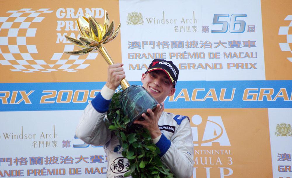 Italian Edoardo Mortara claims F3 Macau GP victory