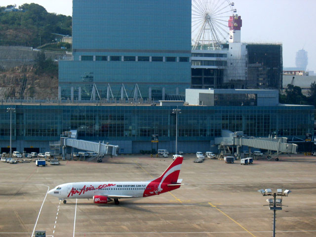 Macau International Airport Company recorded a net loss of US$ 10 million in 2008