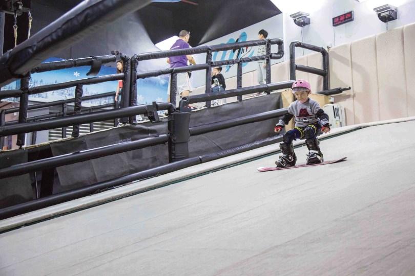 Macau ski and snowboard school