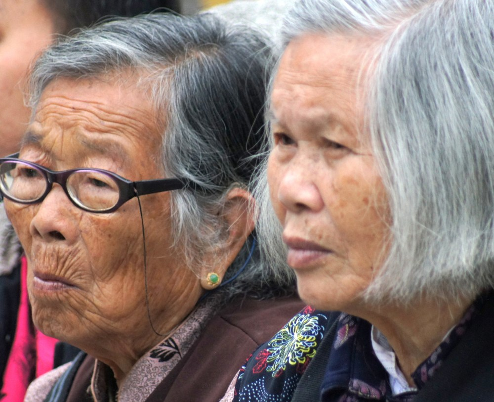 Lawmakers pass bill on elderly rights