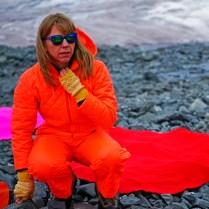 Andrea Juan - Artista visual, curadora y docente. Fundadora del colectivo Sur Polar y Jefa del Programa de Arte de la Dirección Nacional del Antártico, Ministerio de Relaciones Exteriores de la Republica Argentina.