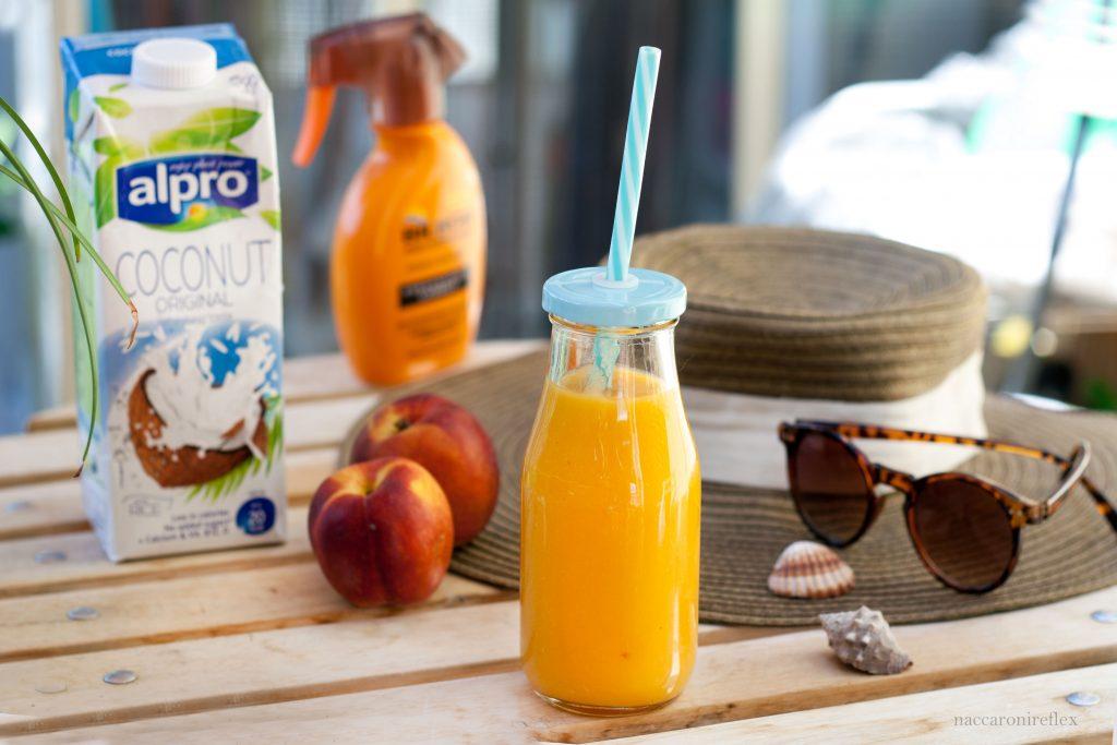 smoothie mango pesca e latte di cocco