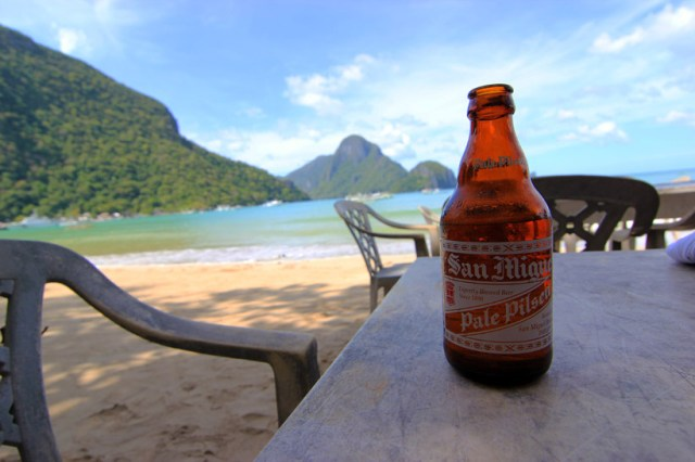 A beer on the beach, El Nido