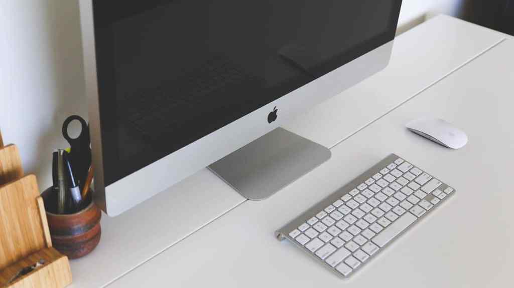 cropped home office 593382 1280