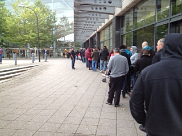 iPhone line outside Apple Retail Store Milton Keynes store, UK @ 7:00 am local time