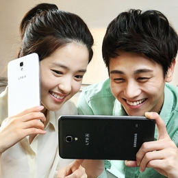 More users in Asia now hold tablets to their faces to make calls, IDC reports