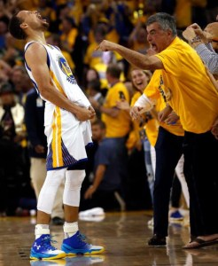 Stephen Curry (left) and Apple Sr. VP Eddy Cue
