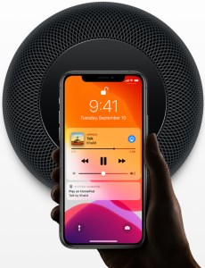 Apple plans to make original podcasts promoting Apple TV+ content. Photo: Apple's HomePod