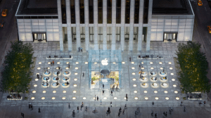 Apple Stores closed. Image: Apple Fifth Avenue