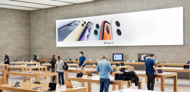Apple reopens 25 more U.S. stores, will soon top 100 worldwide this week